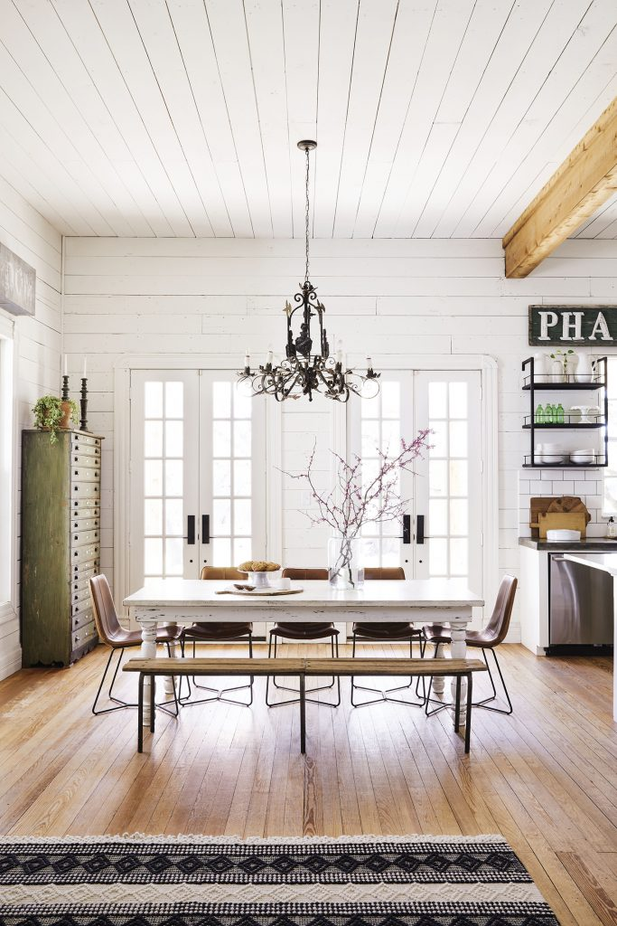 Joanna Gaines' dining room. credit Cody Ulrich