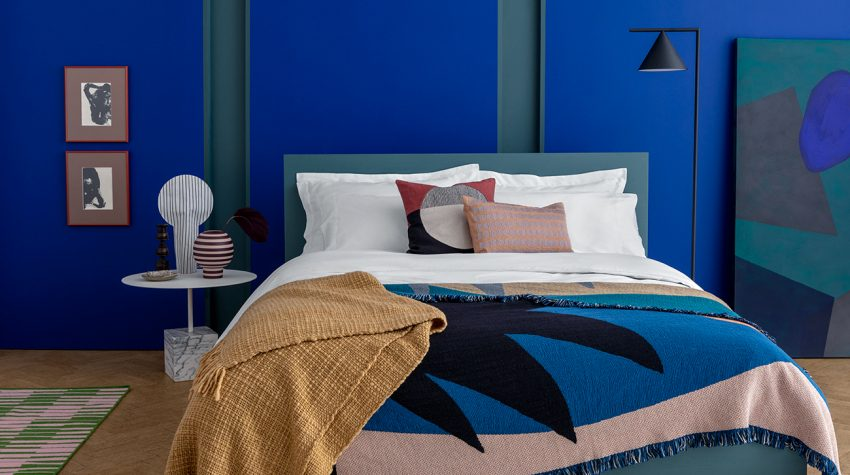 Rise-&-Fall-bed-blue-room