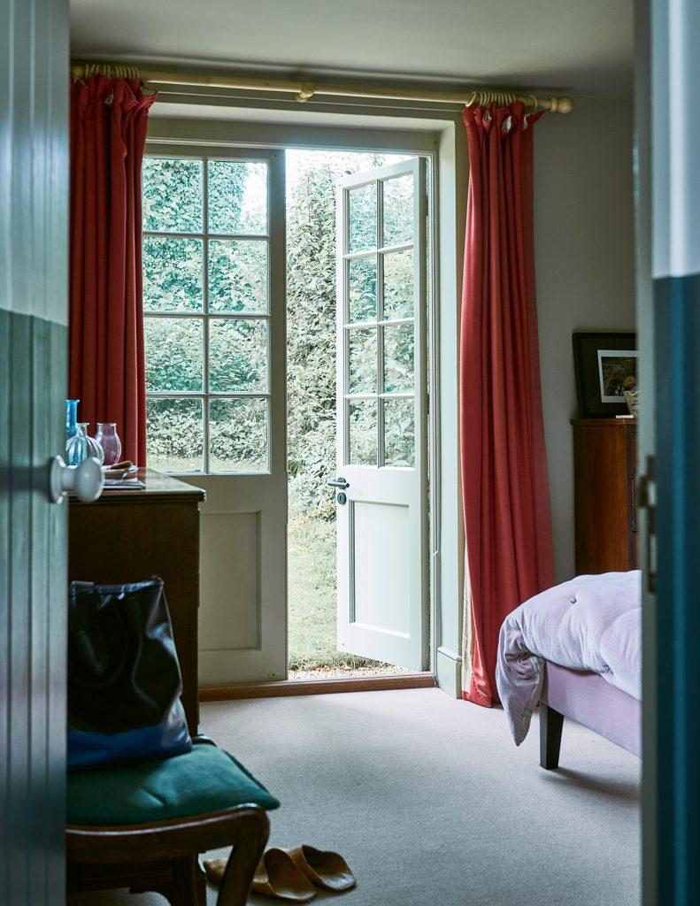 Farrow&Ball_Old-Schoolhouse_bedroom doors_James Merrell