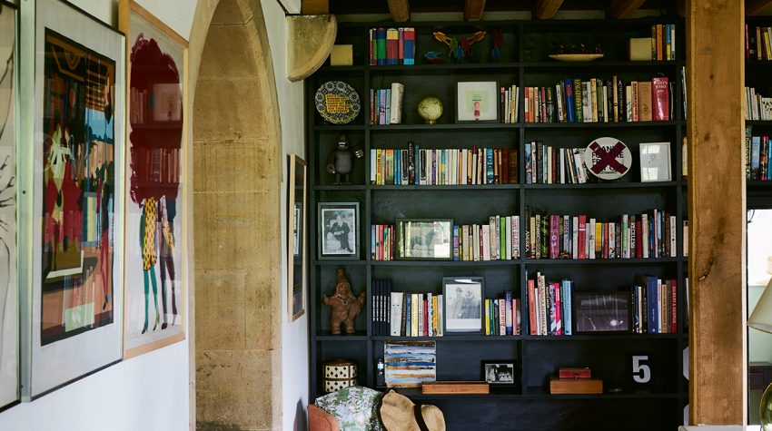 Farrow&Ball_Old-Schoolhouse_shelves_James Merrell