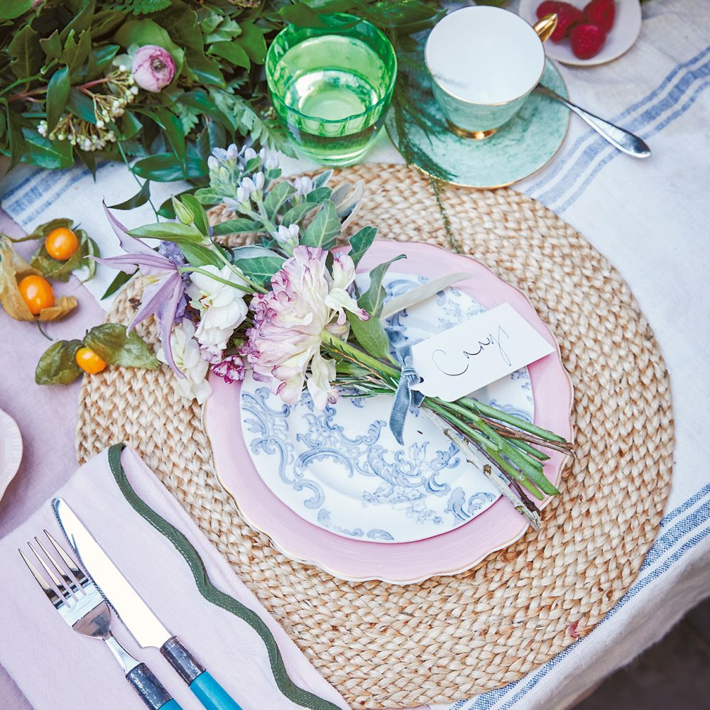Spring entertaining: Rowan Blossom's Floral Place Settings