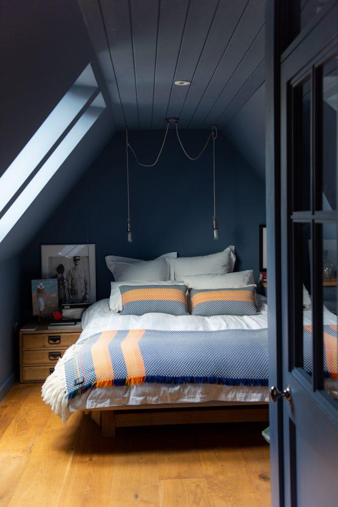 Cathrine-Tjore-bedroom-©-Wendy-Aldiss-Photography