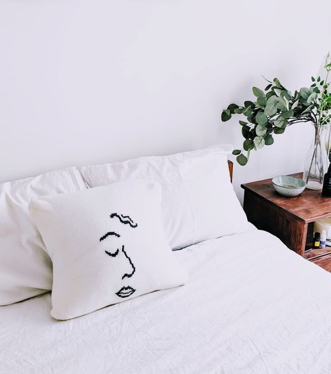 Emma Gannon bed