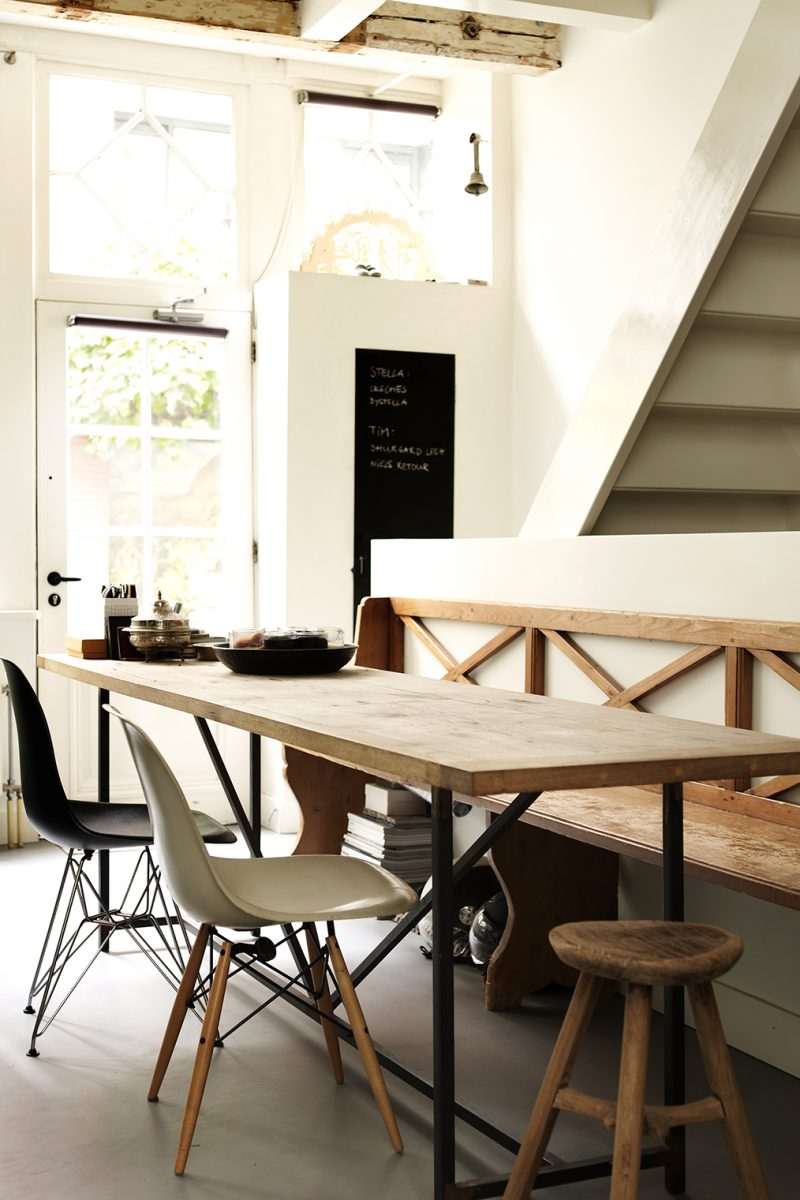 The-Natural-Home-dining area