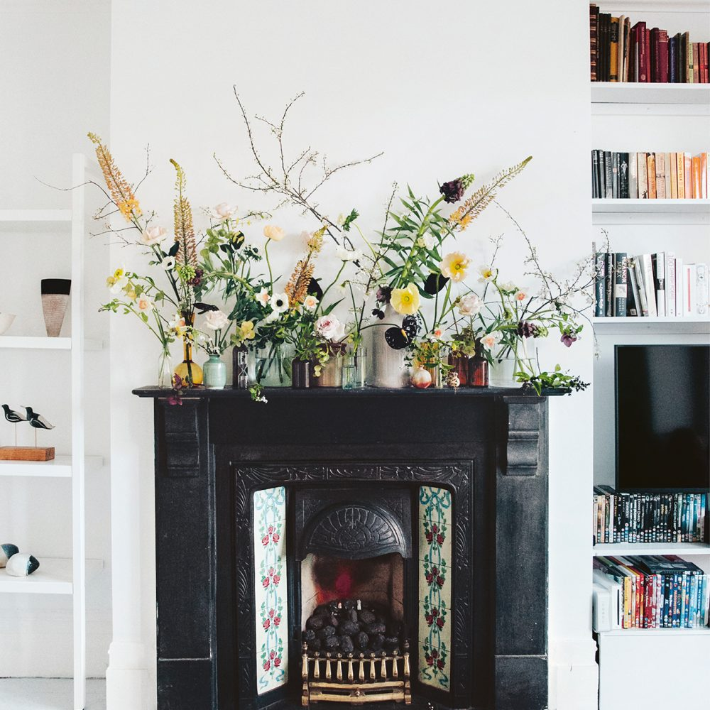 How to create Anna Potter's modern floral arrangement