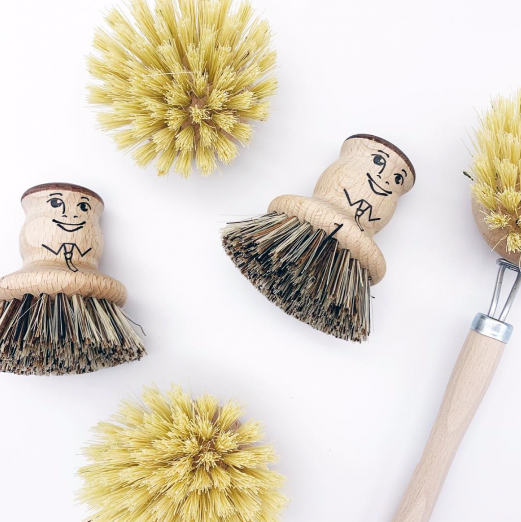 Plastic Freedom Brand We Love coconut fibre brushes