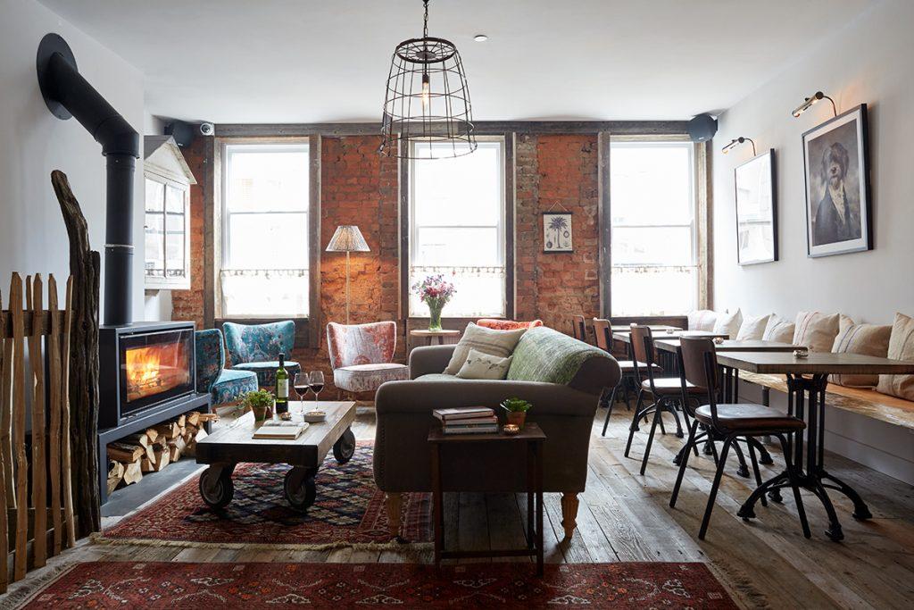 Artist-Residence-Penzance-lounge