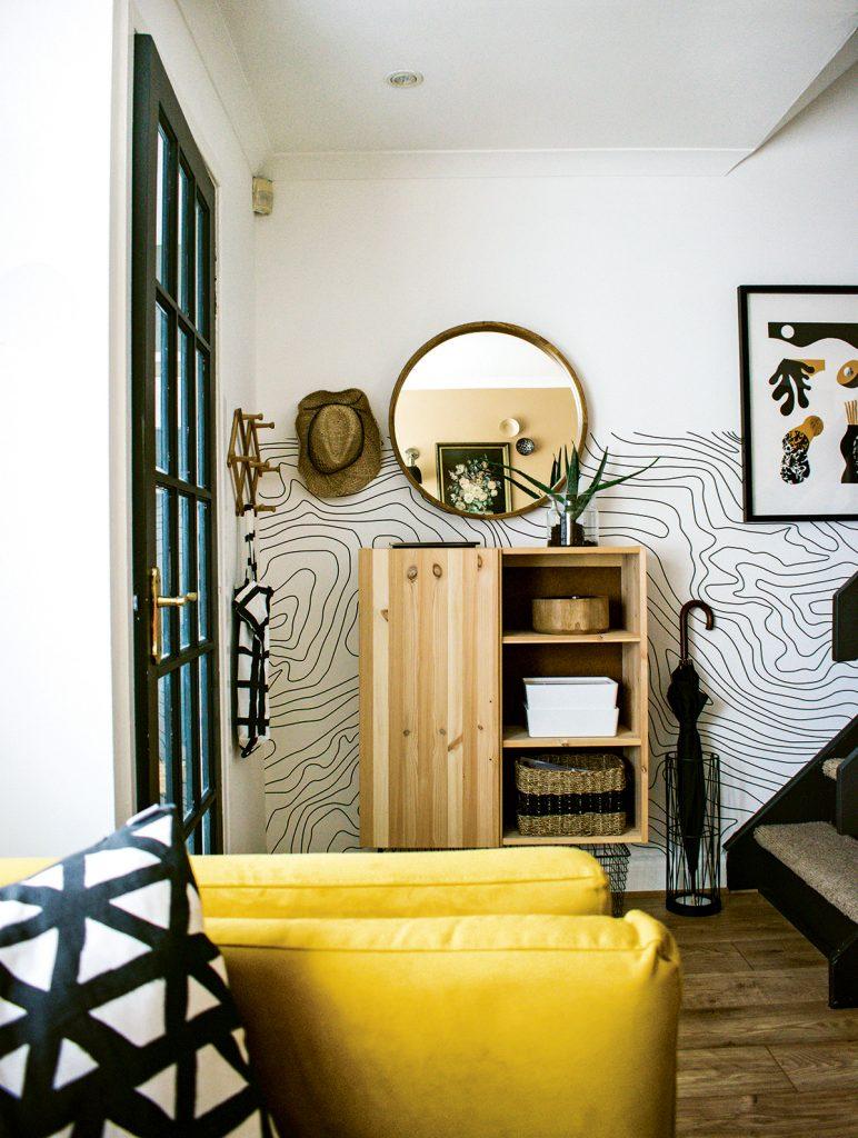 Medina-Grillo-hallway