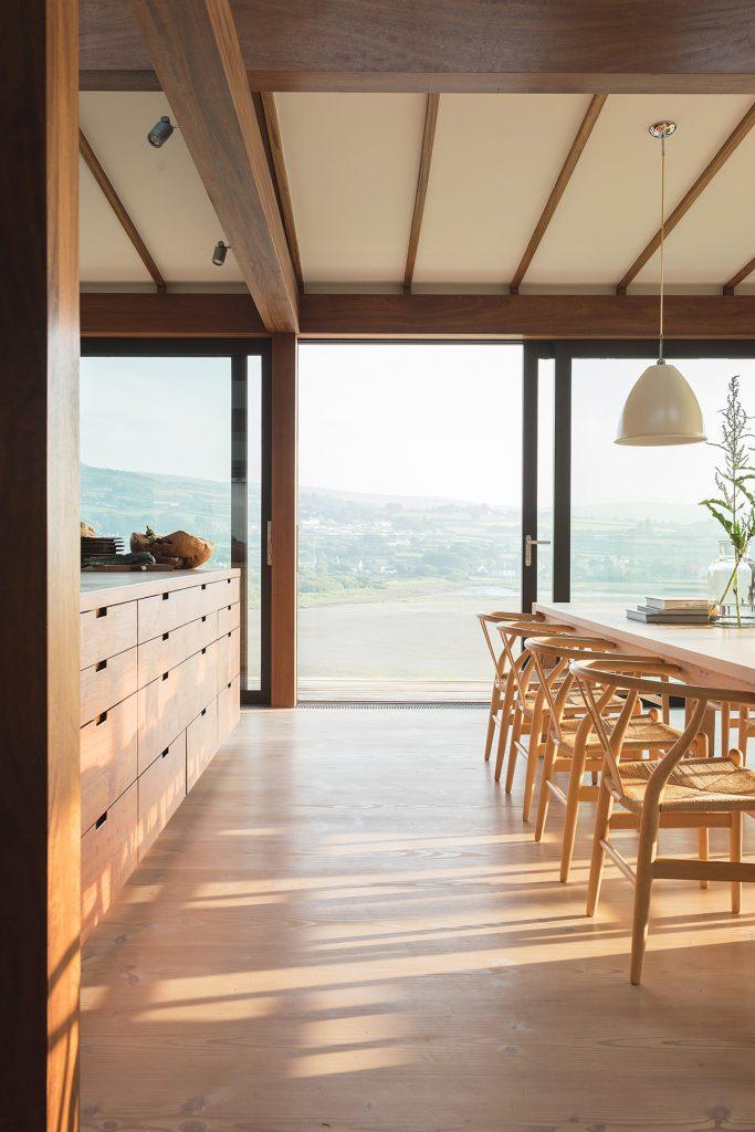 Seren-Mor dining room
