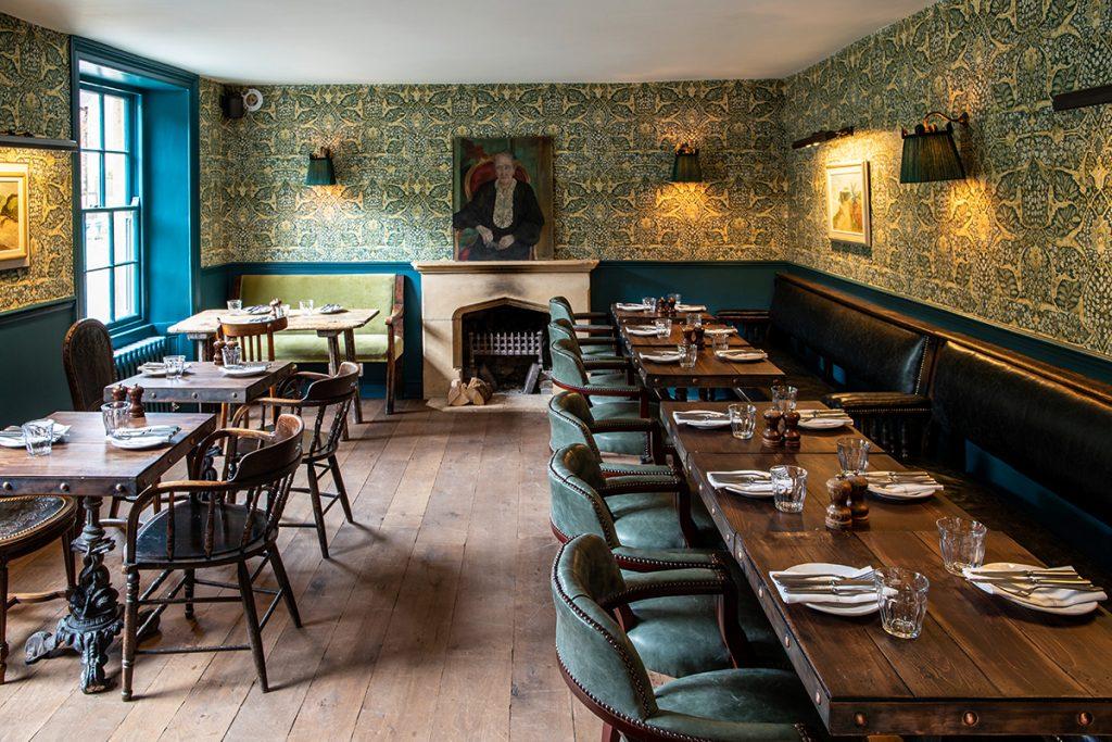 Georgie Pearman-The-Swan-dining-room