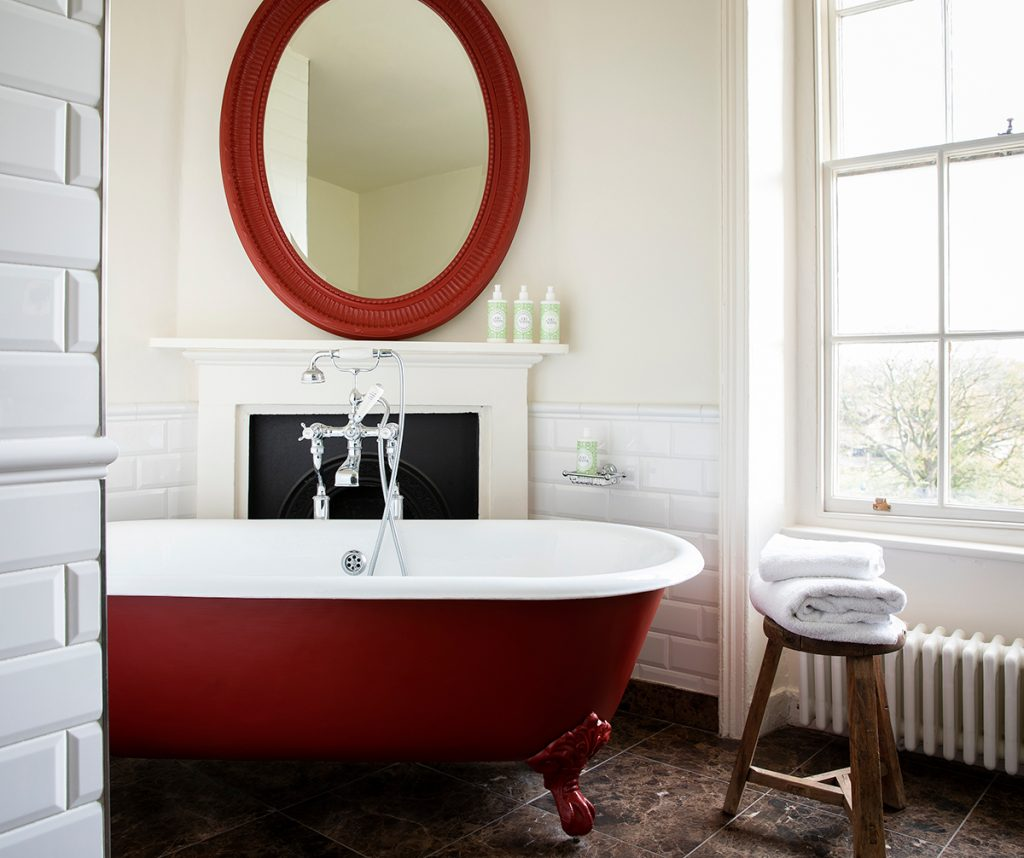 Georgie Pearman-The-Talbot-red-bathroom