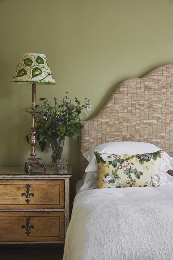 Thyme-The-Lodge-bedroom