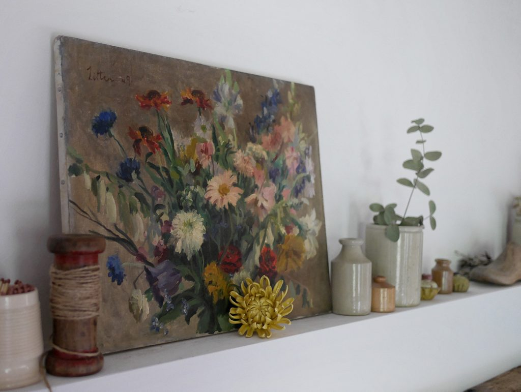 Mantlepiece treasures © Laura Jenkinson