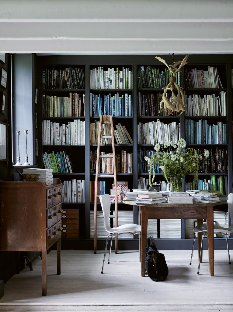 The White Company The Rest library © Chris Everard