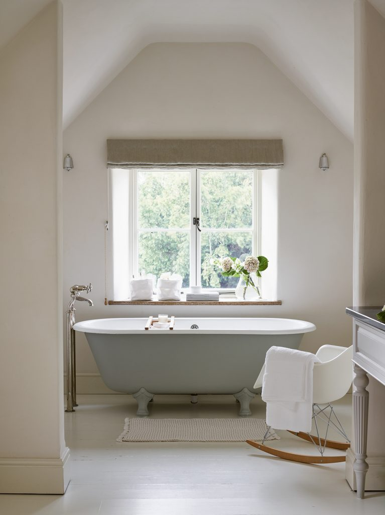 Vesty Bathroom The White Company © Chris Everard