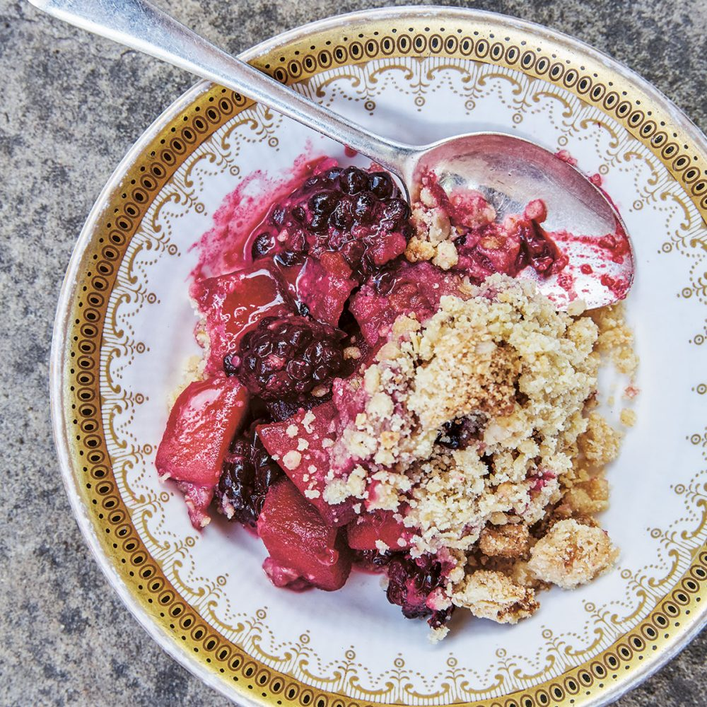 The Pig's Apple and Blackberry Crumble