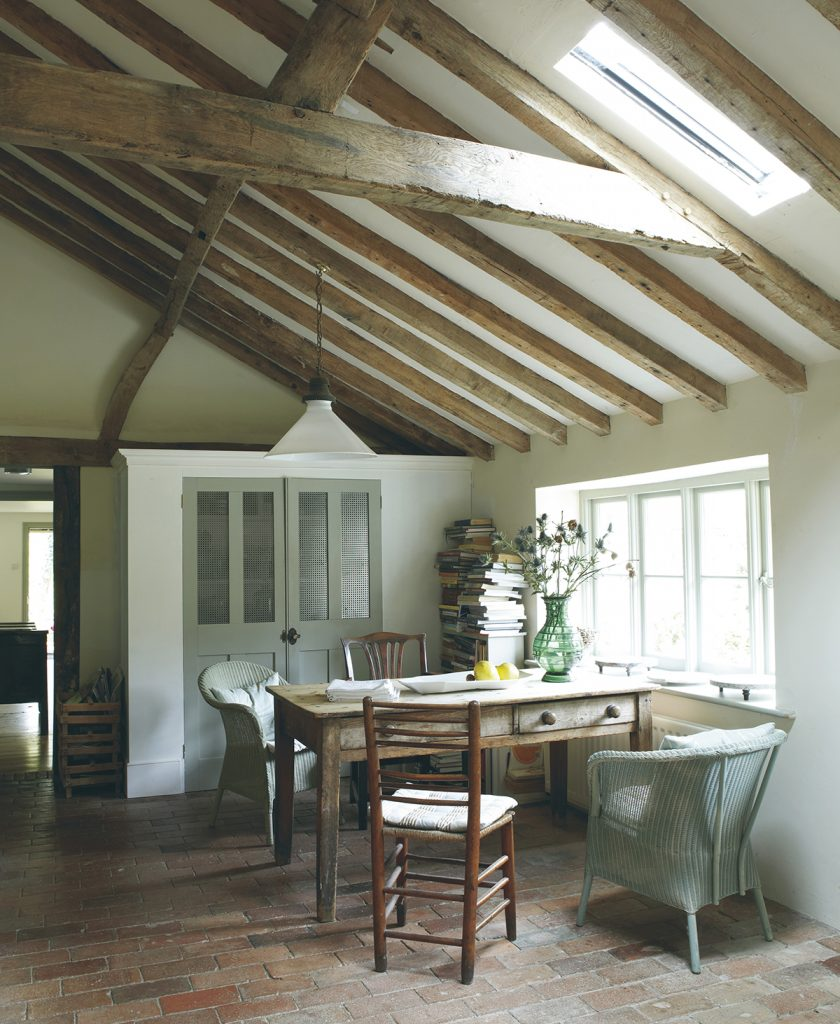 Farrow and Ball Living-With-Colour-cottage table