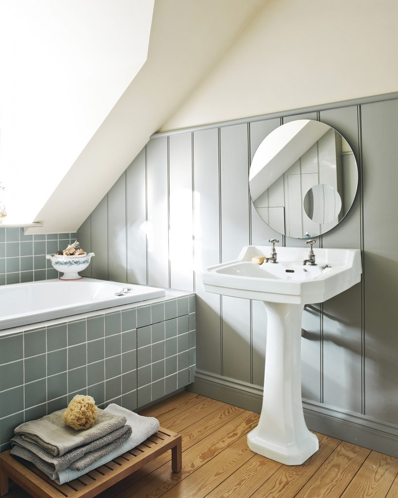 Farrow and Ball Living-With-Colour-country bathroom