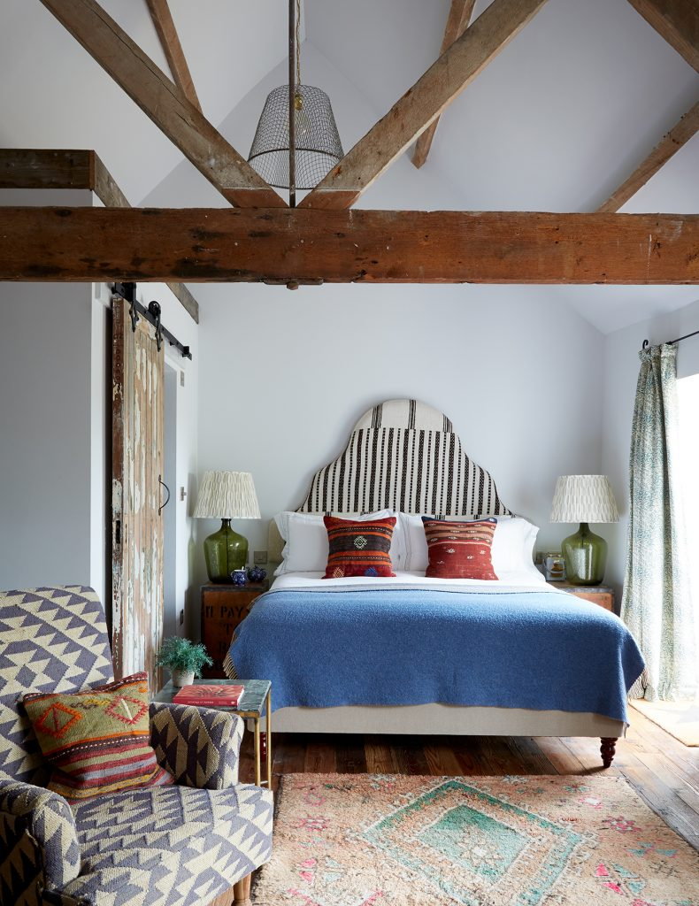 A bedroom in Oxford Artist Residence Stable