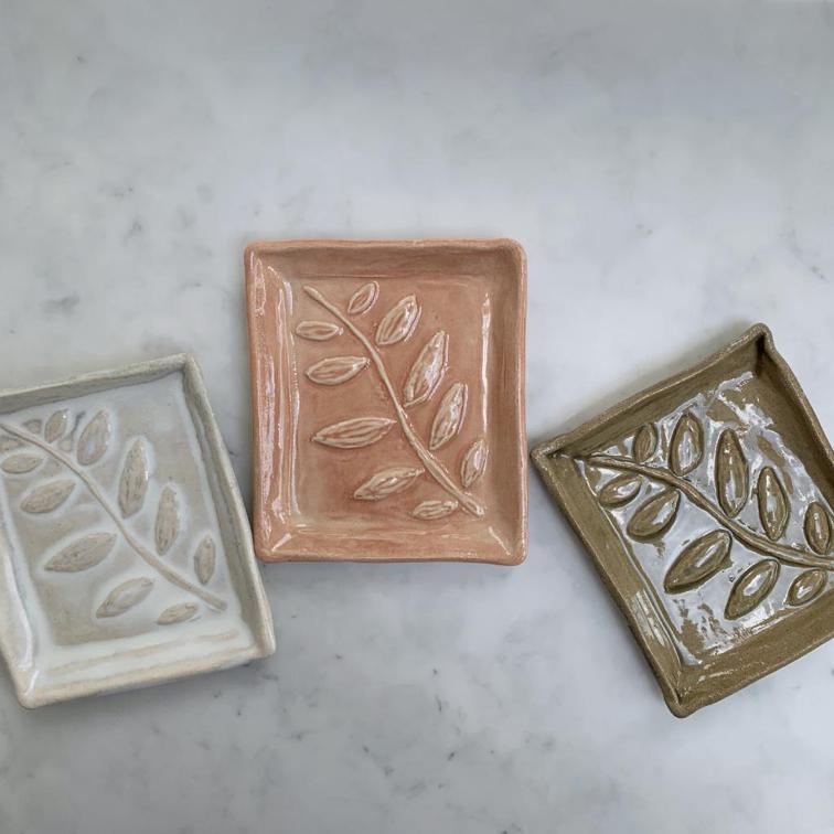 Ceramic leaf print soap dish £26, Aerende