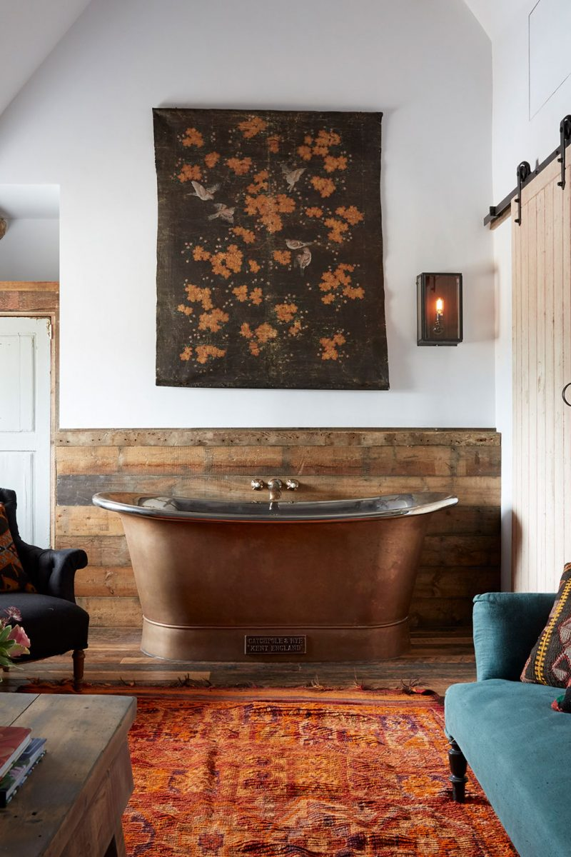 COPPER BATEAU LUXURY FREESTANDING BATH BY CATCHPOLE AND RYE at the Artists Residence in Oxford
