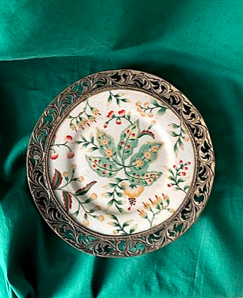 Hand-painted 19th century wall plate, Tat London
