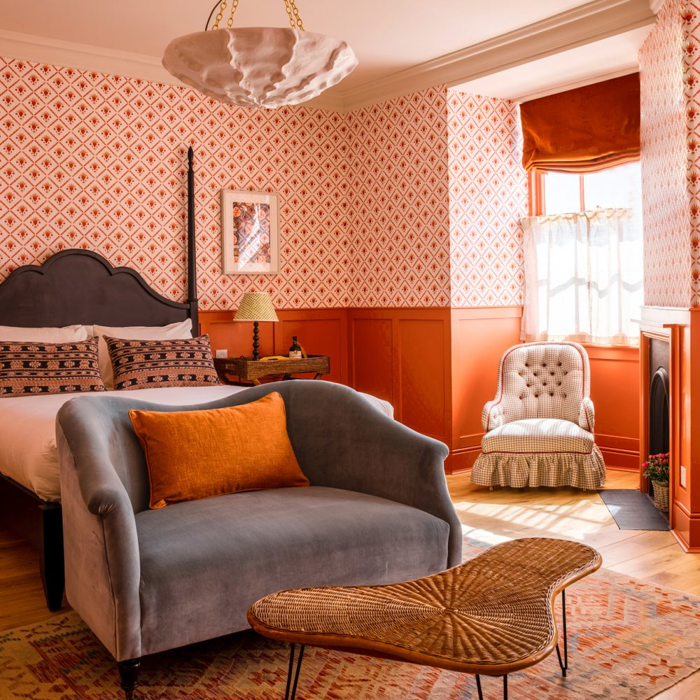 Review: The Mitre, Hampton Court