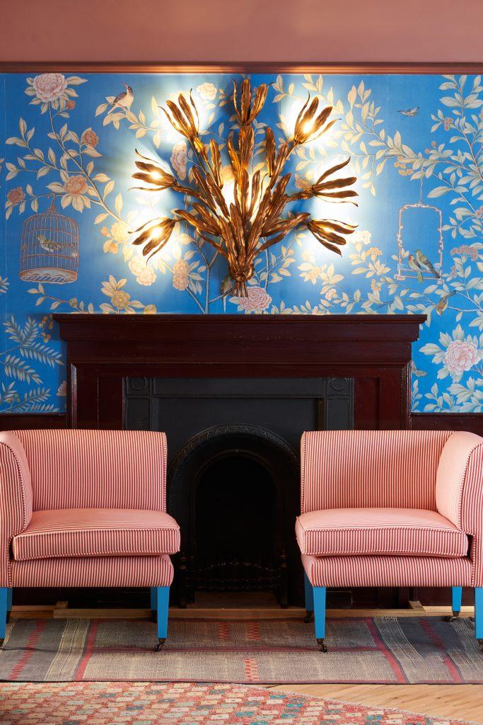 The Mitre hotel Hampton Court de Gournay wallpaper