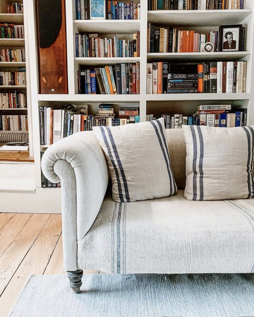 Home Farm linen Chesterfield sofa with bookcase ©sisterhouses Cotswolds
