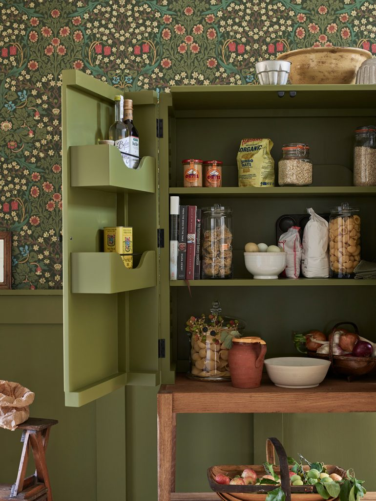 Neptune Ardingly Kitchen Pantry