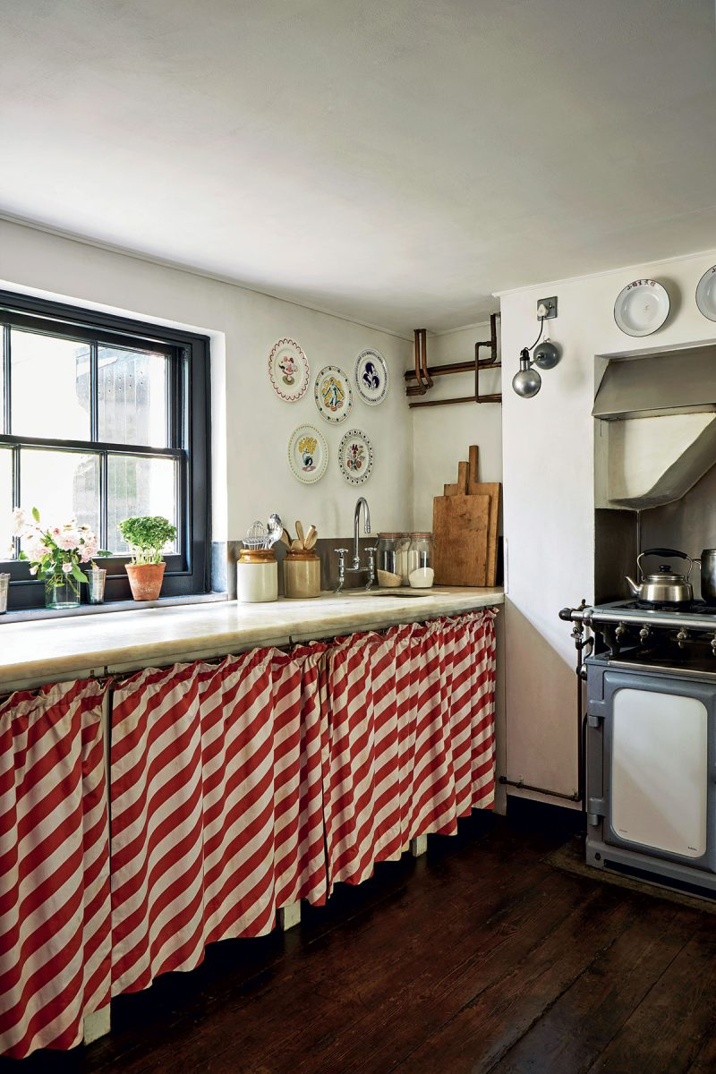 Kitchen with striped skirt at the-home-of-photographer-Jan-Baldwin. Image by-Jan-Baldwin.
