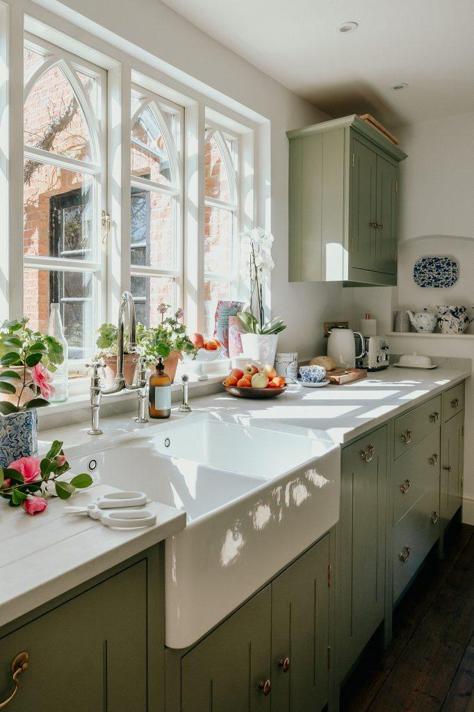Louise Roe kitchen sink British Standard