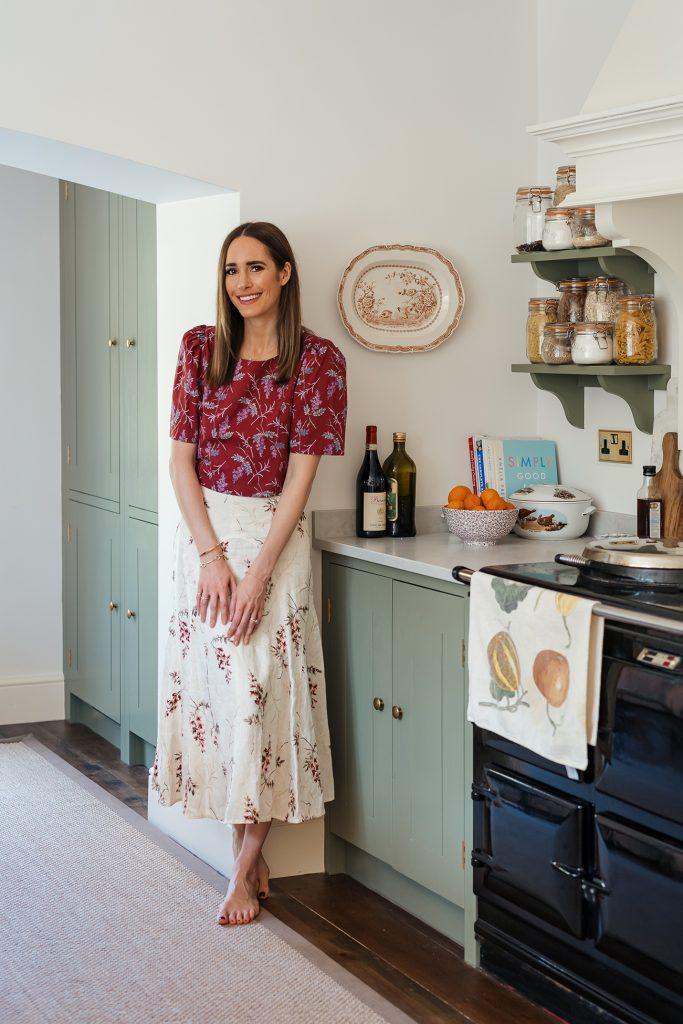 Louise Roe portrait kitchen_